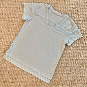 Zella Quick Dry v-neck tee - Size Small